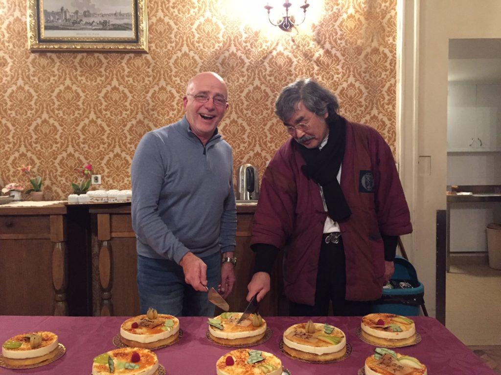 Franck Baldet, président de la FSK, et AOSAKA Hiroshi Sensei, directeur technique pour l'Europe 8e dan daihanshi – © Yuko Irié Beyer