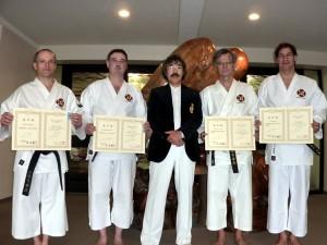 Senseï Aosaka et ses quatre diplômés