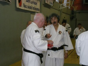 Aosaka Sensei (à droite) et Jean-Claude Lemarchand (à gauche) – © J. Looten
